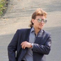 Парень из Сургут хочет секса с девушкой, возраст не важен