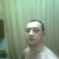 Парень из Сургут, ищу девушку для куни, люблю и умею это делать