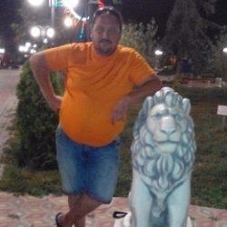 Пара из Сургут, ищем девушку для секса втроем